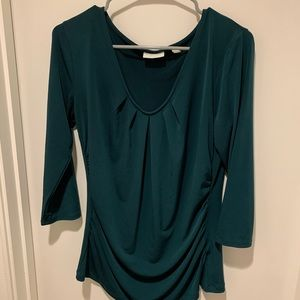New York and Co Green Scoop Neck 3/4 Sleeve Top